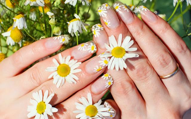 Unhas com Flores