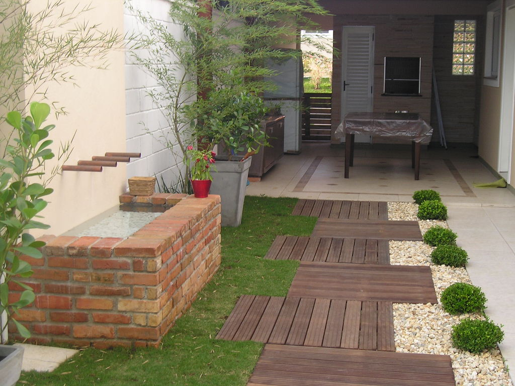 jardins residenciais pequenos dicas fotos e modelos. Black Bedroom Furniture Sets. Home Design Ideas