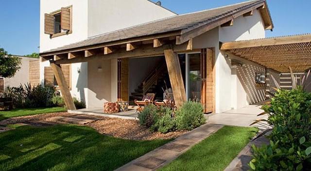 Casas pequenas também podem ter um telhado moderno