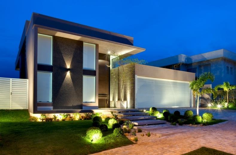 Fotos de fachadas de casas deixe a frente de casa linda for Interiores de casas minimalistas modernas