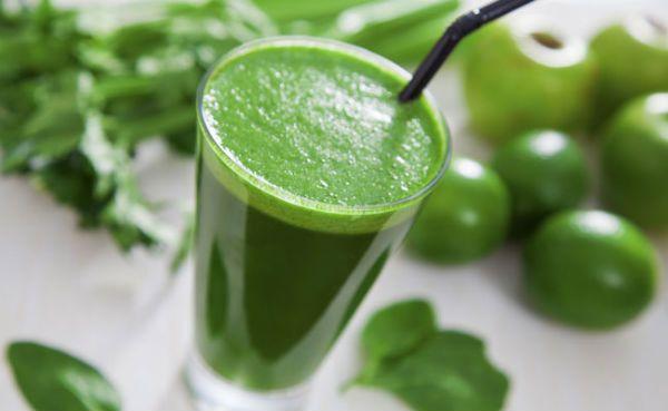 Suco Detox de Couve e Limão