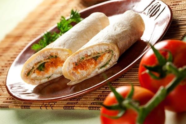 Sanduíche de Pão Sírio com Atum